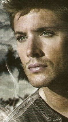 Jensen is just too damn beautiful Jensen Ackles Supernatural, Winchester Supernatural, Jensen Ackles Jared Padalecki, Jensen And Misha, John Winchester, Supernatural Tv Show, Jensen Ackels, Misha Collins, Tilda Swinton