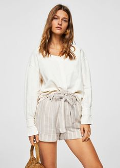 See an acceptable & dynamic variety of feminine women's blouses. Benefit blouses, timer sleeve & tunic blouses, classy blouses & more! blouses for women dressy Mango Outlet, Minimalist Shoes, Minimalist Dresses, Minimalist Chic, Tunic Blouse, Shirt Blouses, Mango Fashion, Summer Wear, Ladies Dress Design
