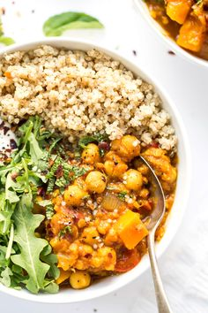 An AMAZING and super FLAVORFUL moroccan chickpea stew made in the slow cooker!