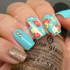 Manicure Ideas : Dotted Nails