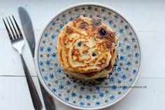 Ontbijt is de belangrijkste maaltijd van de dag , dus maak er een feestje van met deze blueberry pancakes. Zelf ben ik niet zo gek op ontbijten maar ik probeer het wel braaf elke dag te doen , als ik weet dat ik blueberry pancakes …