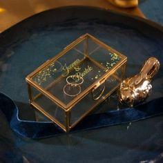 Efektowna, szklana szkatułka #naobrączki #szkatułka #obrączki Gold, Jewelry, Jewlery, Jewerly, Schmuck, Jewels, Jewelery, Fine Jewelry, Yellow