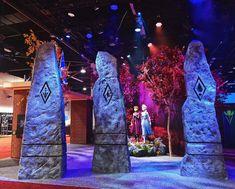 Walt Disney Pixar, Disney Frozen Elsa, Disney And Dreamworks, Disney Love, Frozen Fan Art, Frozen Theme, Dc Superhero Girls Dolls, Frozen Party Decorations, Frozen Wallpaper