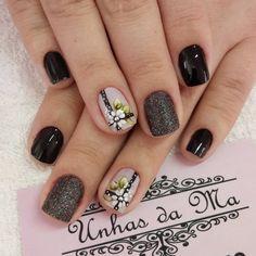 "734 Me gusta, 1 comentarios - Maria Selinger Nails (@selingermaria) en Instagram: ""#unhasdaMa #deesmalte #nails #nailart #unhas #unhasdehoje #avon #avoncrystal #esmaltes…"""