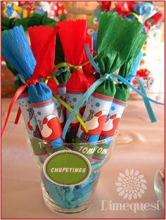 Gift Wrapping, Gifts, Bar, Colorful, Smurfs, Finger Foods, Blue Nails, Infancy, Meet