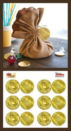 créez les bourses et remplissez-les de doublons imprimés, de friandises et autres petits cadeaux