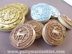 Harry Potter Cookies - Gringotts' Coins Galleons, Sickles & Knutts! #HarryPotter #HarryPotterCookies #GringottsCookies #GalleonCookies #SickleCookies #KnuttCookies #pattymaccookies