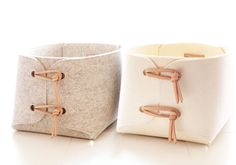 Large toy storage bin with leather straps big by SKANDINAVIOUS