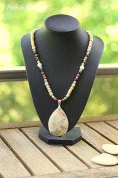 Collier en Agate Crazy Lace, Jaspe rouge, Agate blanche et des perles en bois naturel : Collier par perle-de-chamane