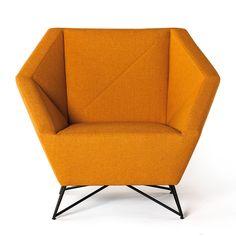 Kvadra | Coleção 3angle  Poltrona 3ANGLE |Poltrona estofada de tecido com braços, design by Grupa