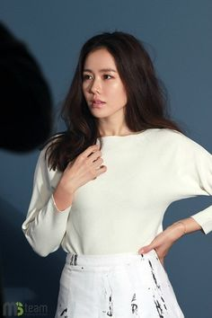 It's plain fact that absolutely no camera angle can hinder actress Son Ye Jin's flawless beauty. Korean Celebrities, Beautiful Celebrities, Most Beautiful Women, Korean Beauty, Asian Beauty, My Wife Got Married, Korean Babies, Flawless Beauty, Korean Actresses