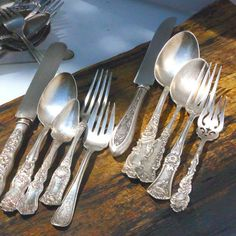Impress Your Guests Antique Ornate Unique Dinnerware Flatware Silver Table, Silver Plate, Old Country Kitchens, Formal Dining Tables, Table Place Settings, Spoon Knife, Twisted Metal, Fish Design, Vintage Table