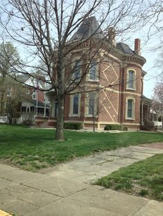 Shelbyville, Illinois.....those sidewalks!