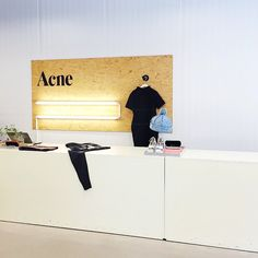 FAVOURITE PLACES TO SHOP #2 ACNE STUDIO 1.The headquarters is in Stockholm Sweden. 2.Use of custom developed materials and fabrics make the designs youthful and trendy. 3. Acne studio stores are located around the world. (New York, Paris, Tokyo etc.)