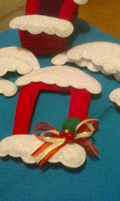 Crochet Christmas Wreath, Christmas Wreaths, Christmas Ornaments, Christmas Ideas, Holiday Decor, Projects, Books, Home Decor, Christmas Crafts