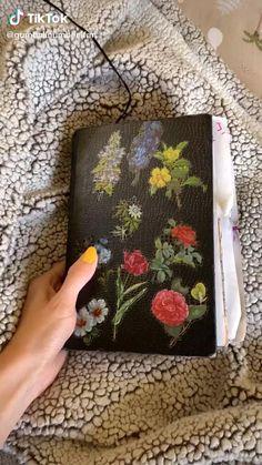 Bullet Journal Notebook, Bullet Journal Ideas Pages, Bullet Journal Inspiration, Art Journal Pages, Art Journals, Bullet Art, Bullet Journal Lettering Ideas, Art Diary, Journal Aesthetic
