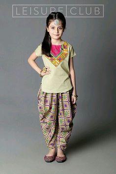 Waoooo Kids Indian Wear, Kids Ethnic Wear, Little Girl Fashion, Kids Fashion, Man Fashion, Little Girl Dresses, Girls Dresses, Kids Suits, Kids Frocks