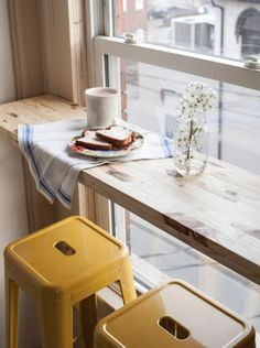 6 Smart Ways to Decorate Your Small Space: Use Multipurpose Furniture and Objects