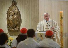 El Papa presidió en la mañana de del jueves la Eucaristía en la Capilla de la Casa Santa Marta, en el Vaticano.