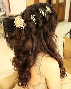 Beautiful Hairstyles For Wedding In Open Hairs In Creative Hairstyles Inpirations - Maatkara Design Hairstyle For Wedding Day, Wedding Hairstyles For Women, Quince Hairstyles, Formal Hairstyles For Long Hair, Engagement Hairstyles, Open Hairstyles, Long Hair Wedding Styles, Indian Wedding Hairstyles, Creative Hairstyles