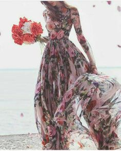 Elegant Dresses, Pretty Dresses, Beautiful Dresses, Gorgeous Dress, Trend Fashion, Look Fashion, Womens Fashion, Floral Fashion, Petite Fashion