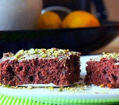 Chocolate & pistachio cake with dried fruit