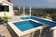 Villa Skrip  Rustig gelegen vakantiehuis met privé zwembad en zeezicht in Skrip Brac  EUR 891.56  Meer informatie  #vakantie http://vakantienaar.eu - http://facebook.com/vakantienaar.eu - https://start.me/p/VRobeo/vakantie-pagina