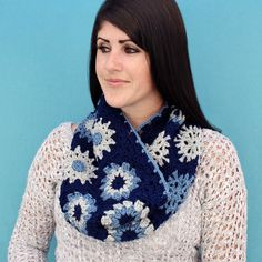 Free #Crochet Pattern: Hexagon Granny Cowl | @GleefulThings