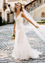 David's Bridal Wedding Dress: All Over Beaded Lace Trumpet Gown Style T9612