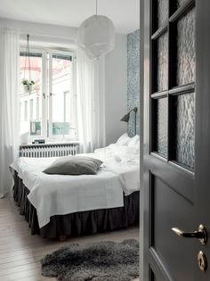 26 Scandinavian Bedroom Ideas that You Will Fall in Love with Bedroom Decoration Contemporary Bedroom, Modern Bedroom, Baby Room Decor, Bedroom Decor, Dark Blue Bedrooms, Airy Bedroom, Scandinavian Bedroom, Cozy House, Living Room Furniture