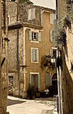 Ménerbes, Provence, France >> Back in Time #ExpediaWanderlust
