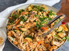 4-5 portioner Ingredienser: 500 Kfc, Fried Chicken, Japchae, Fries, Curry, Food And Drink, Ethnic Recipes, Vanilj, Ferrero Rocher