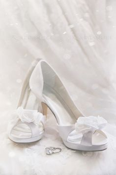 Wedding shoes with Rings and lace