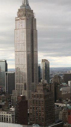 #nyc  #views #newyorkcity New York Landmarks, Dubai Skyscraper, Washington Square Park, City Aesthetic, Manhattan New York, Empire State Building, Places To Travel, New York City, Nature Photography
