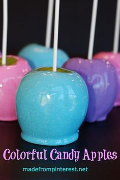Candy Apples A new twist on the old fashioned hard red candy apple. Make these Colorful Candy Apples in new updated colors! A new twist on the old fashioned hard red candy apple. Make these Colorful Candy Apples in new updated colors! Halloween Treats, Holiday Treats, Halloween Appetizers, Yummy Treats, Sweet Treats, Oreos, Bon Dessert, Dessert Table, Colorful Candy