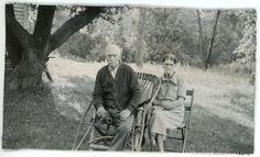 1937 Photo MN Minnesota Lewisville Old Couple Mr & Mrs Dick Lewis 1 Leg Crutches
