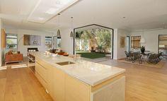 Ocean View Residence in Los Angeles Promising aLuxurious Life-style