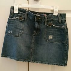 DENIM SKIRT Old navy denim skirt size 2 but fits more like 4... great condition. Old Navy Skirts Mini