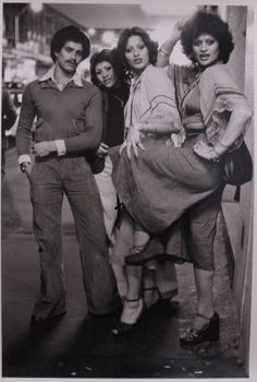 Family: Paul, sister, Kerry, Violet Auckland New Zealand 1976 Photo: Murray Cammick