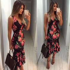 "10.5k Likes, 83 Comments - Blog Trend Alert (@arianecanovas) on Instagram: "" Vestido @estilonanaminze • #lookdodia #lookoftheday #ootd #selfie #blogtrendalert"""