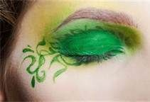 poison ivy eye make up Sfx Makeup, Prom Makeup, Costume Makeup, Wedding Makeup, Makeup Tips, Makeup Ideas, Hair Makeup, Makeup For Green Eyes, I Love Makeup