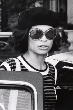 Bianca Jagger Style | Bianca Jagger's To-Die-For Sunglasses...And How To Get The Look