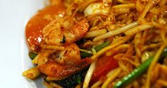 Mee goreng recipe. Mee Goreng is a favourite dish of Singaporeans. Mee goreng is well liked by all races for its spicy and tasty flavou...