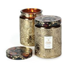 Voluspa Crane Flower Candle is inspired by the regality and beauty of Bird of Paradise flowers, with notes of Bird of Paradise nectar, ripe grapefruit, geranium and lavender. Voluspa Candles, Candles And Candleholders, Large Candles, Scented Candles, Lavender Candles, Decorative Candles, Glass Candle, Glass Jars, Candle Jars