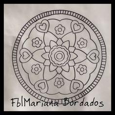 www.facebook.com/mariana.bordados1 Patron para bordar Crewel Embroidery, Embroidery Patterns, Mandala, Diy And Crafts, Patches, Templates, Macrame, Facebook, Flowers
