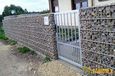 Ogrodzenie gabionowe Gabion Wall Design, Gabion Retaining Wall, Gabion Baskets, Baskets On Wall, Diy Wall, Home Projects, Outdoor Structures, Building, Flamingo