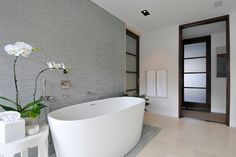 Contemporary Opera Glass bathroom feature wall