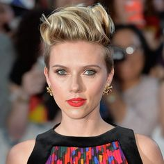 5 New Ways to Style a Pixie Cut like Scarlett Johannson