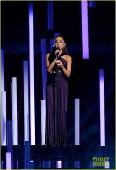 Ariana Grande Sings 'Just a Little Bit of Your Heart' at Grammys 2015