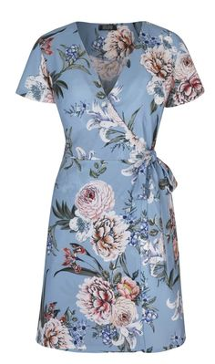 The Best Contemporary Tea Dresses - STYLEetc. Fashion Trendy 2019 - World Trends -Shop and browse the Tea Dress revival with our fashion guide. Our feature shows the best dresses for budgets of both high street and higher end vintage. Trendy Dresses, Simple Dresses, Trendy Outfits, Trendy Fashion, Nice Dresses, Casual Dresses, Fashion Dresses, Mode Batik, Winter Typ